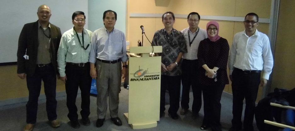 Guru besar hukum University of Malaya Prof. Dr. Abu Bakar Mu nir berkesempatan memberikan kuliah umum di BINUS