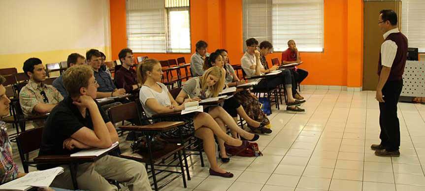 Mahasiswa asing belajar hukum Indonesia di Kampus BINUS