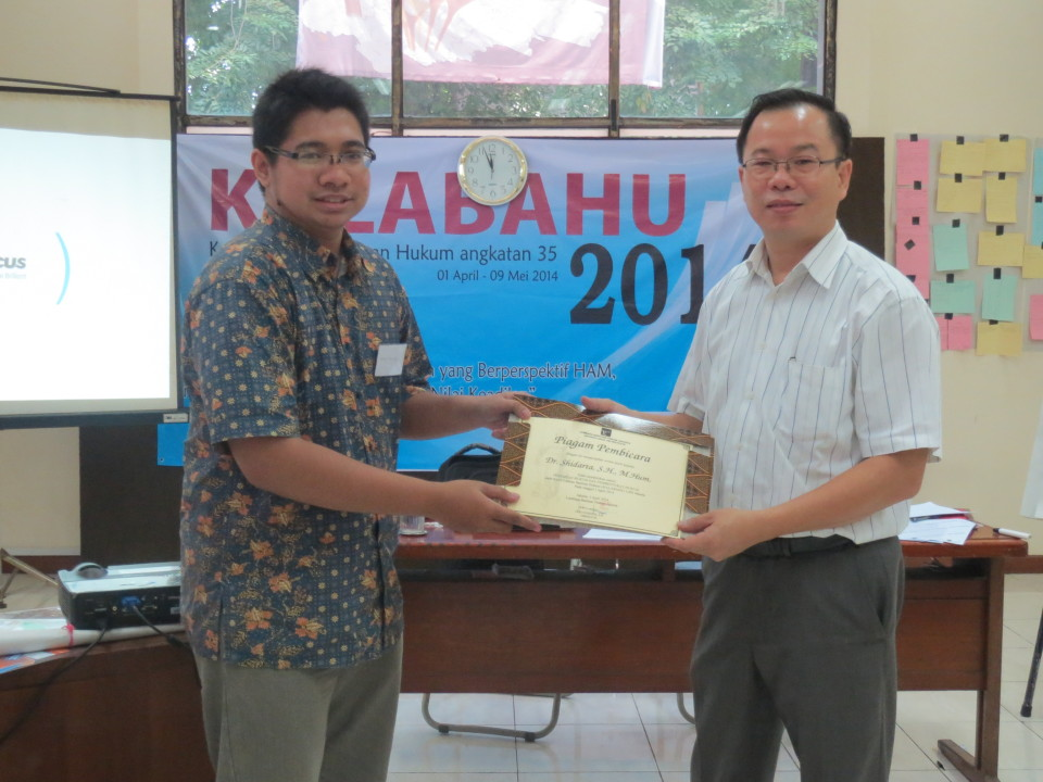 Dosen BL menjadi fasilitator bagi para praktisi hukum muda di LBH Jakarta