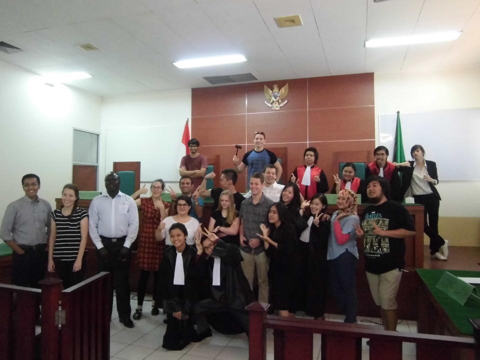Mahasiswa dari Australia ikut menyaksikan acara praktik beracara di
