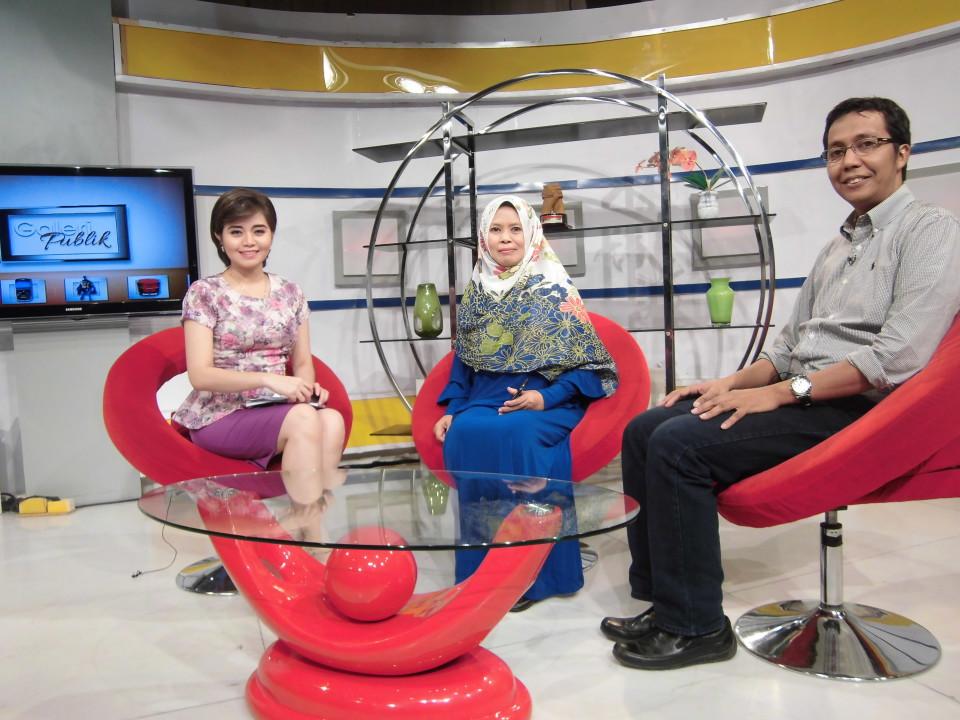 Dosen BL menjadi narasumber sebuah acara di JakTV