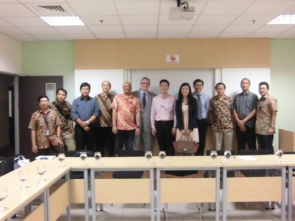 Diskusi IPR dan kewirausahaan bekerja sama dengan US Embassy