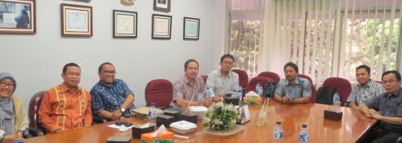 Pertemuan tim penelti BINUS dengan rekan peneliti lain dan pimpinan KY, 20 Februari 2015