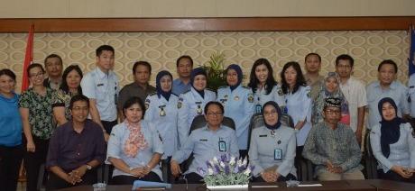 Kegiatan penyusunan buku panduan di Kemenkumham, 3 Maret 2014