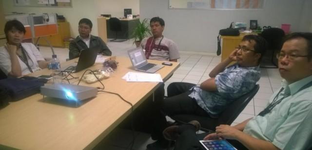 Acara presentasi oleh Vidya Prahassacitta di hadapan kolega dosen Business Law BINUS