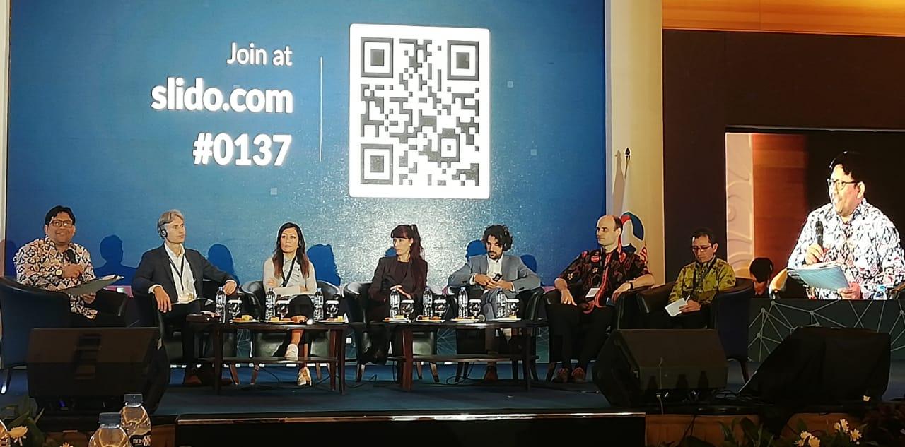 Dosen Binus menjadi pembicara pada seminar nasional Ombudsman Republik Indonesia